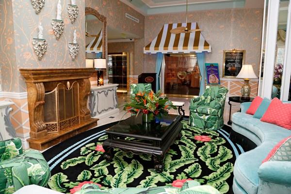 The lobby makes a vivd first impression. Photo courtesy of Colony Hotel
