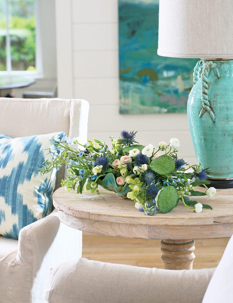 myrtie blue flower magazine