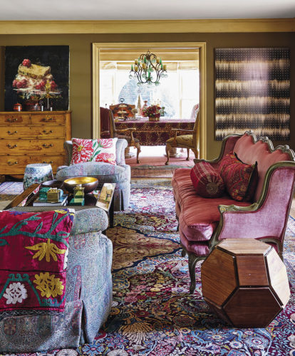 For art-collecting clients, Nussbaumer put together a complex mix of contrasting motifs (from an English floral to an Eastern paisley). | Photo by Stephen Karlisch
