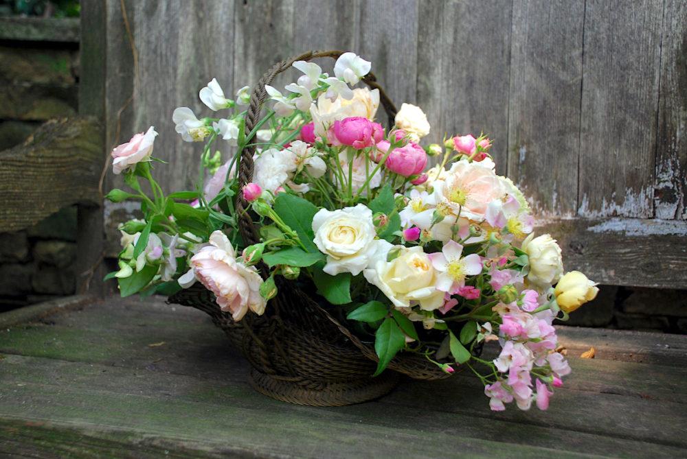 basket flower arrangements