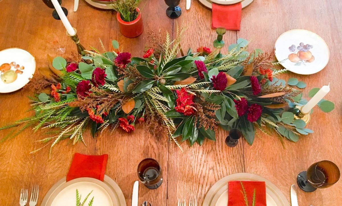 Thanksgiving table centerpiece garland flower magazine