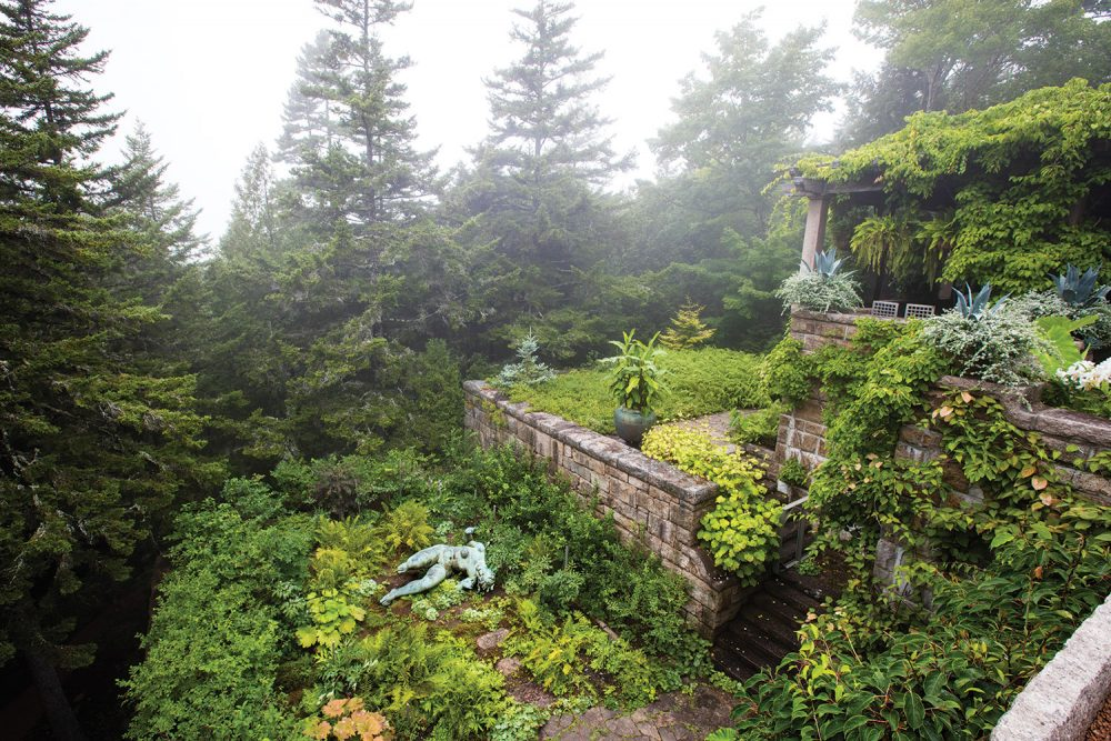 martha stewart's summer house, skylands, sculpture