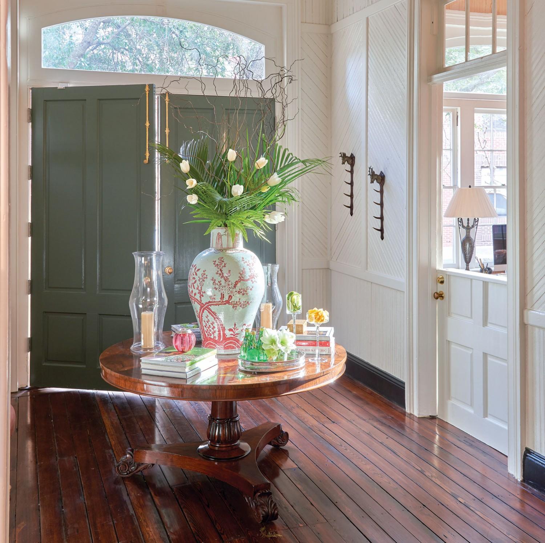 foyer by interior designer Tammy Connor