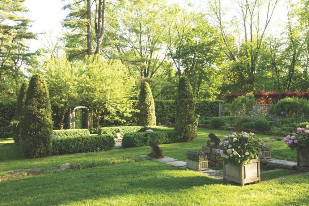 Bunny Williams garden, sunken garden