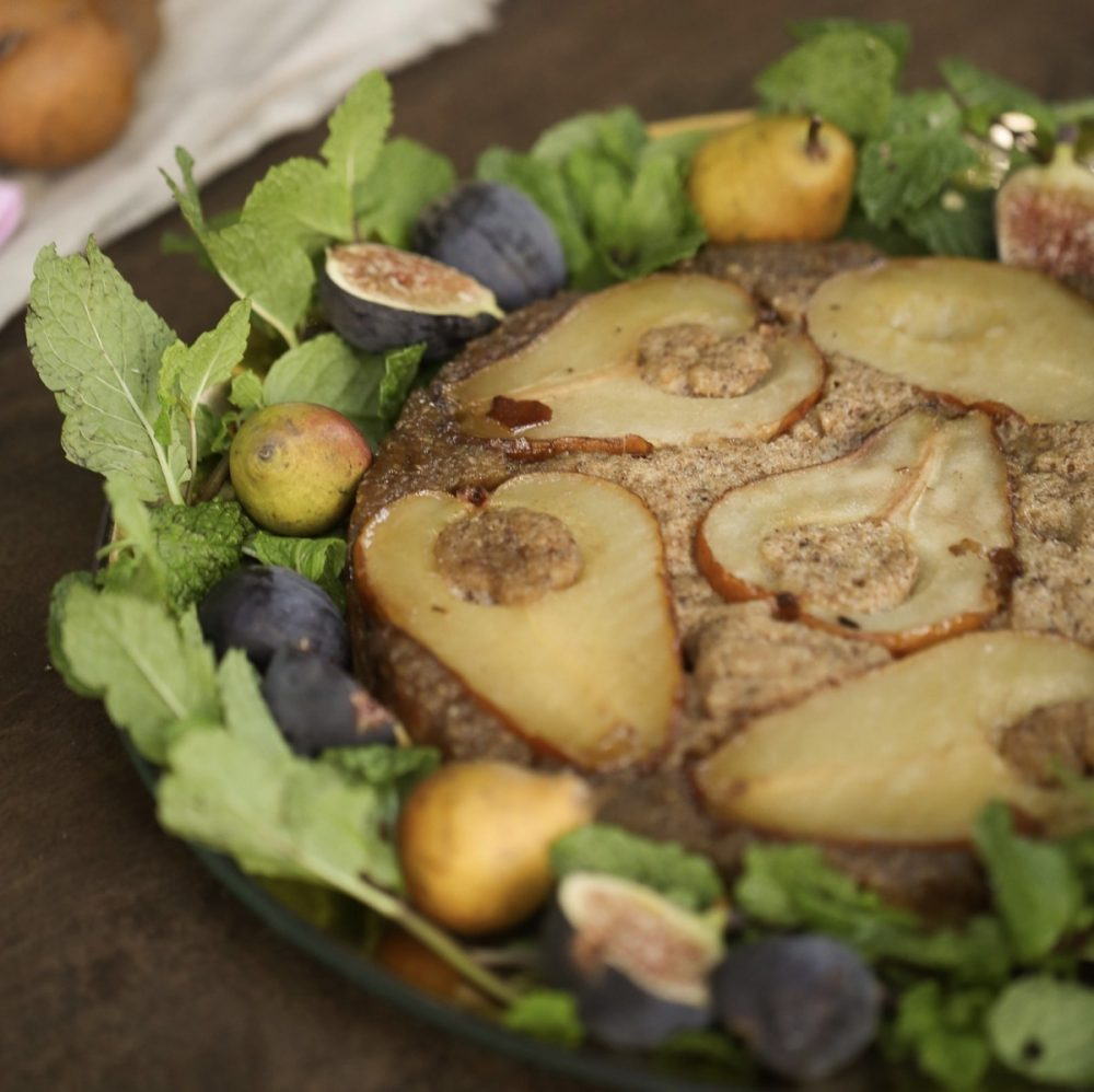 pear and hazelnut cake, Lidey Heuck