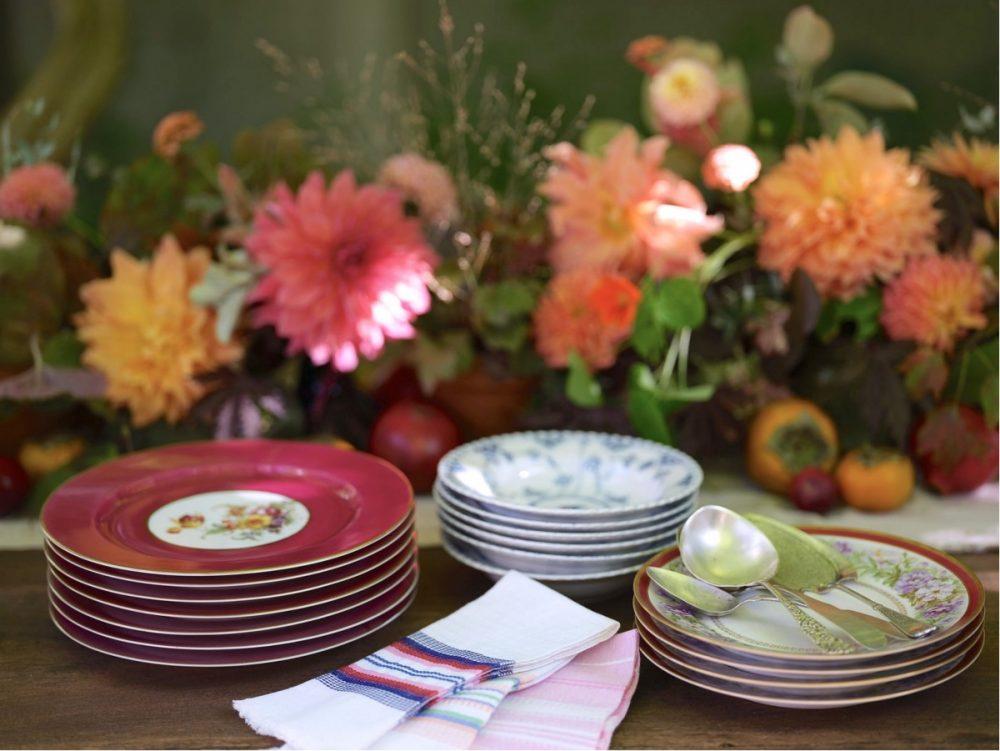 fall party menu, dahlia centerpiece