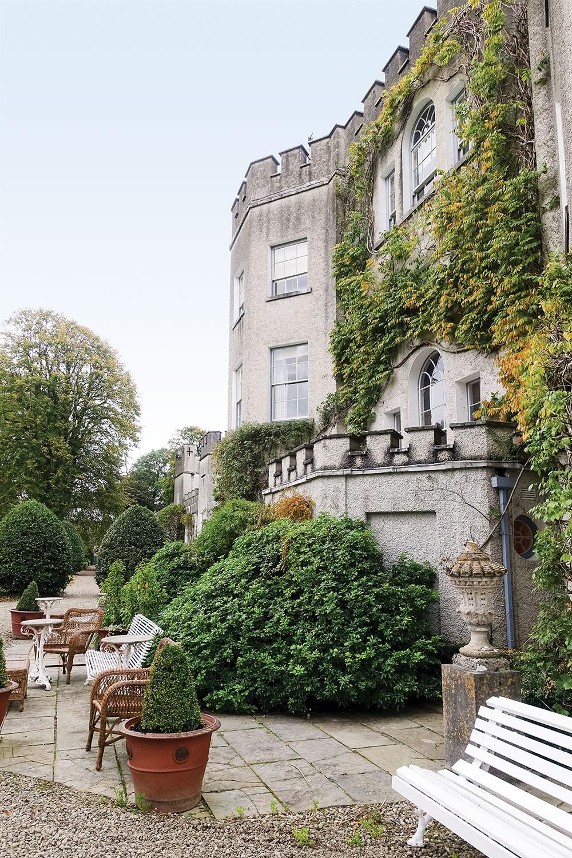 Tour Ireland S Glin Castle Interiors And Gardens Flower Magazine