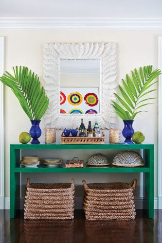 green serving console