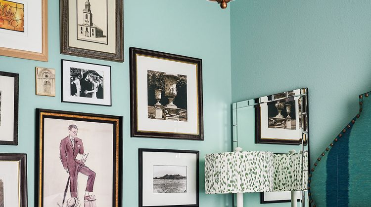 photo wall, turquoise wall paint