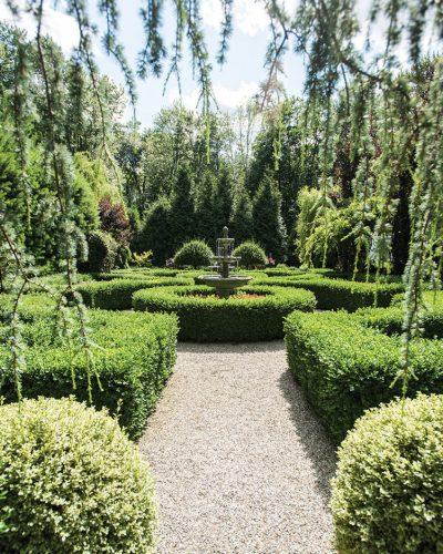 parterre garden, Plantsville Pines