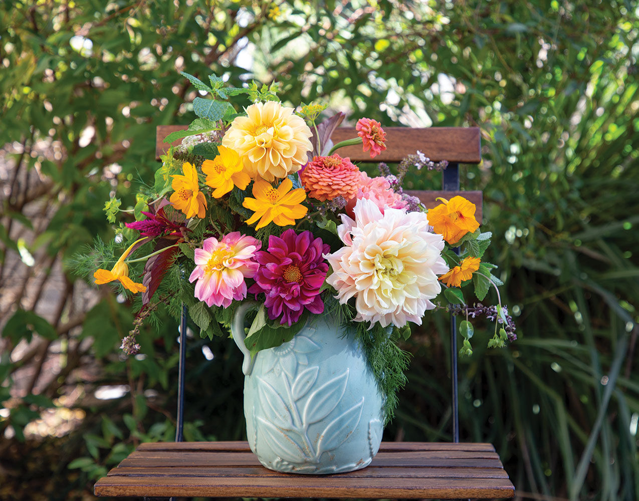 Our Favorite Dahlia Arrangements Flower Magazine