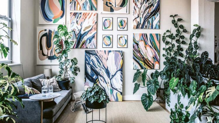 The houseplant-filled home studio of Brooklyn artist Alina Fassakhova whose artwork appears on the cover of WILD INTERIORS by Hilton Carter. All photography by Hilton Carter © CICO Books 2020