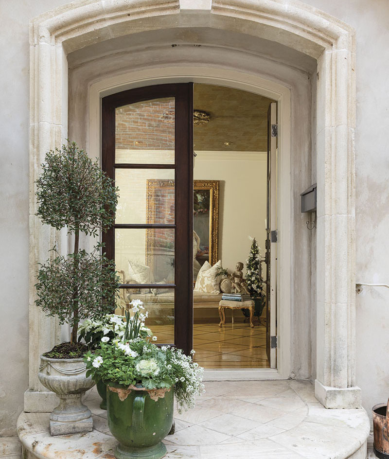 front door holiday decor, Alix Rico's New Orleans home