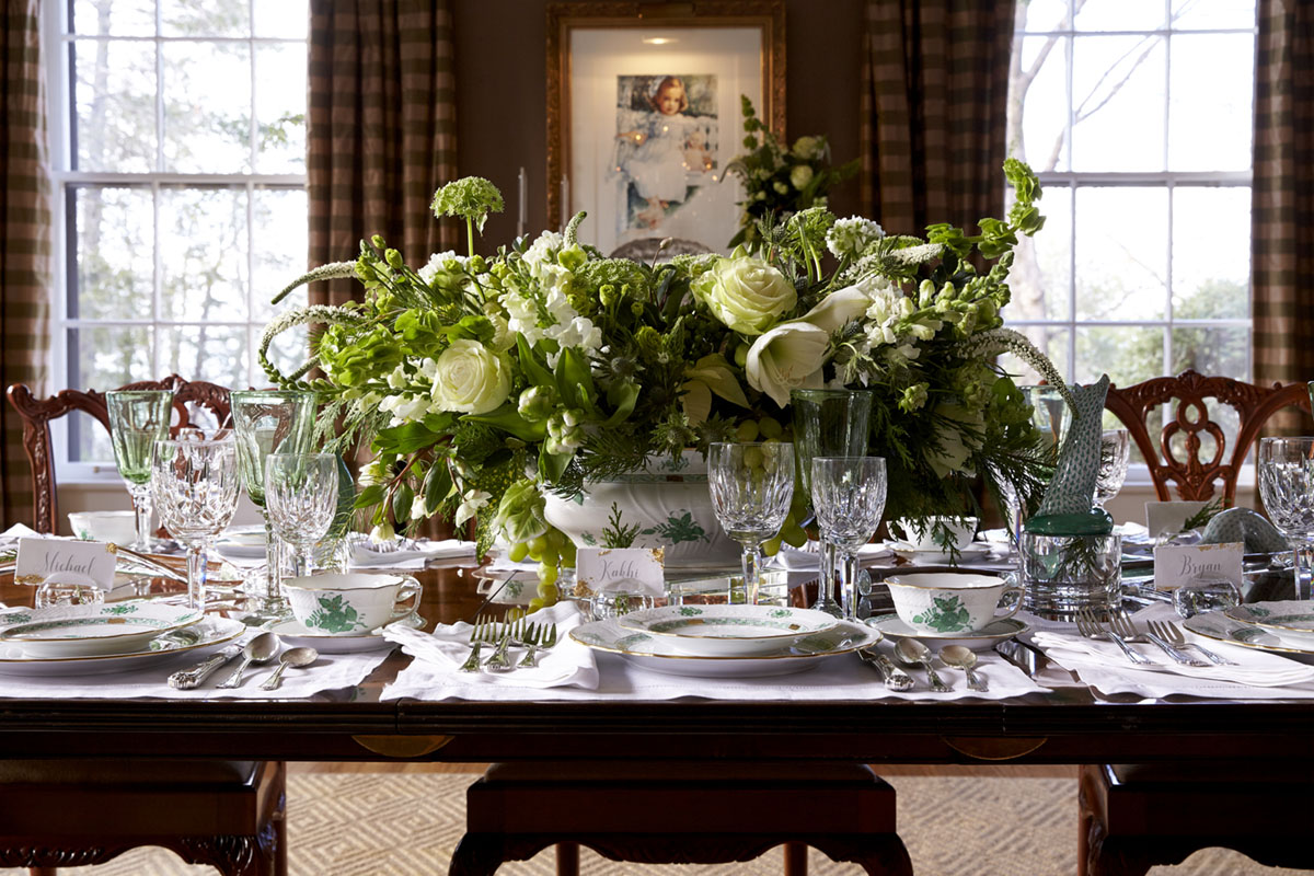 green and white floral arrangement featuring amaryllis by floral designer Kakhi Huffaker Wakefield of K Wakefield Designs