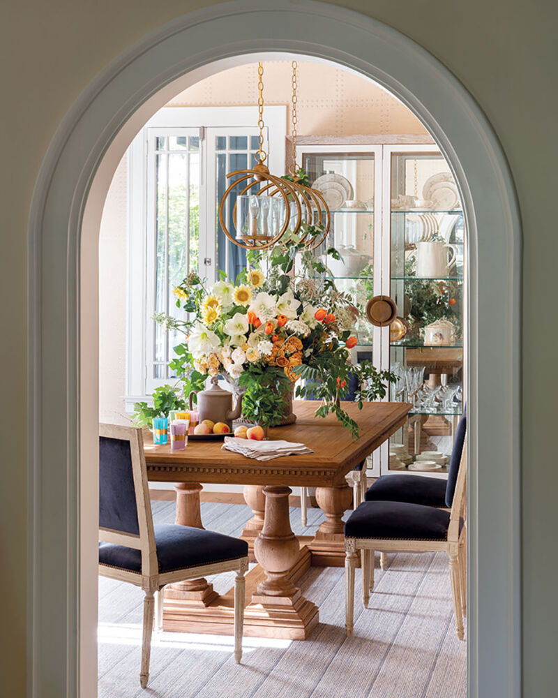 dining room designed by Denise McGaha