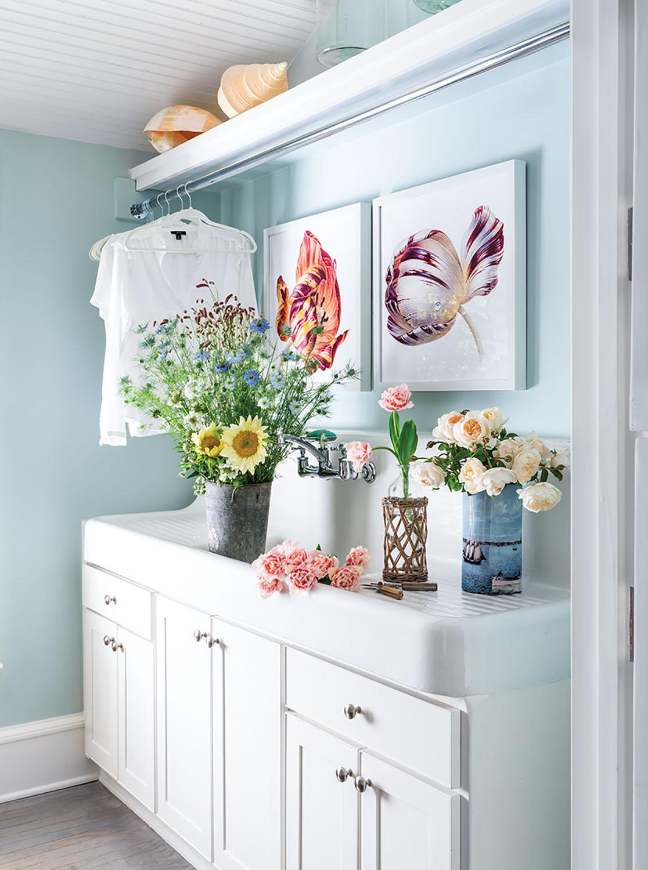 pretty laundry room, flower room, sink