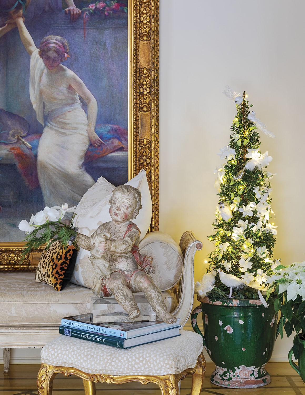 holiday decor in Alix Rico's foyer