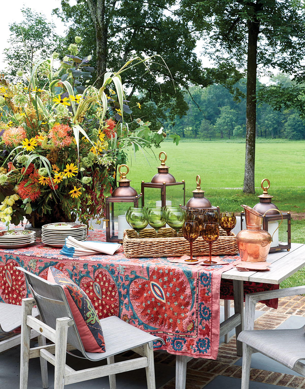 outdoor dining table and chairs, Flower magazine showhouse