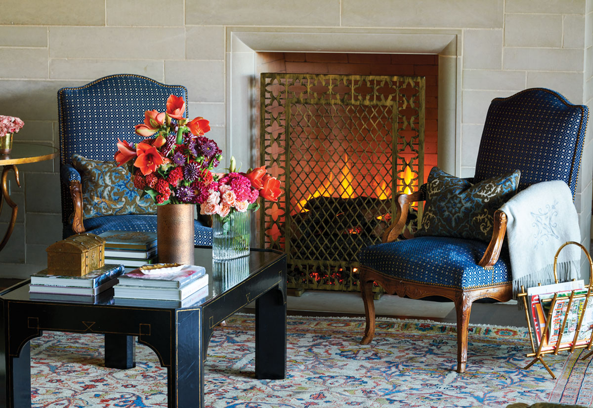 Floral Design by Jimmie Henslee on a coffee table for a pair of fireside chairs
